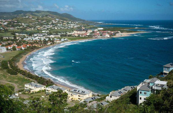 Гражданство Сент-Китс и Невис: варианты покупки паспорта на Карибах