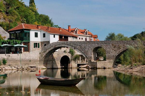 Черногория: варианты инвестиций, стоимость, преимущества программы