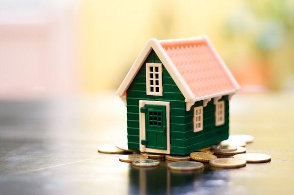 Как правильно распорядиться сбережениями при эмиграции?