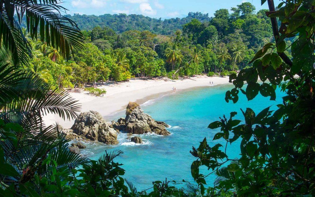 С паспортом Сент-Люсии можно без визы рвануть на выходных в Коста-Рику